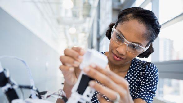 Digital service consultant for maintenance technicians